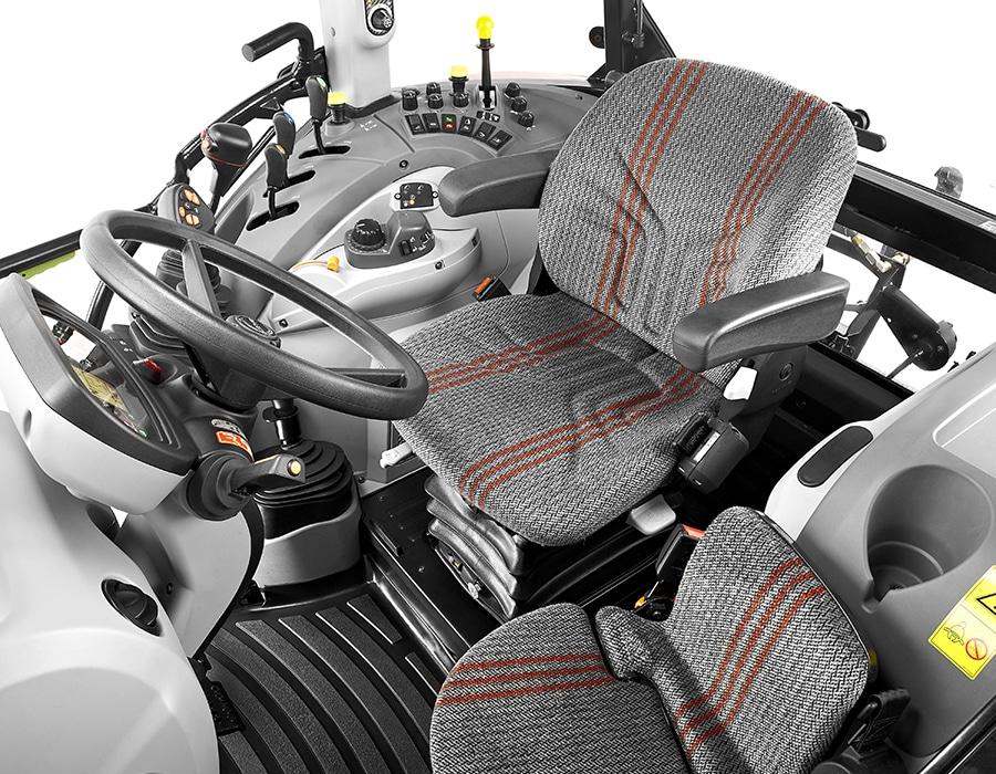 2-steyr_kompakt_4105_multicontroller_cabin_studio_wels_austria_150615_001_4558_6096