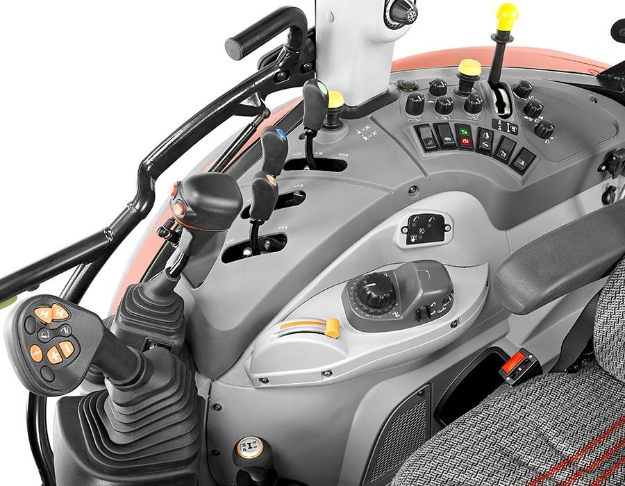 4-steyr_kompakt_4105_multicontroller_cabin_studio_wels_austria_150615_003_4558_6096
